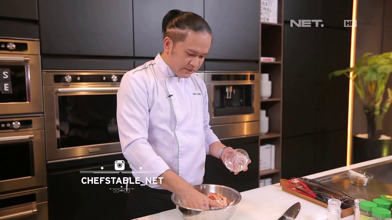 Chef S Table Korean Spicy Fired Chicken Ala Chef S Table 1 2 Youtube