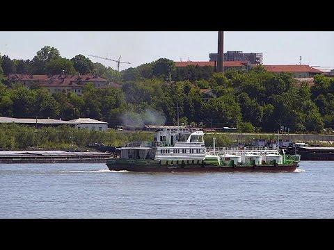 euronews (en français): Et au milieu coulent une rivière et des bateaux plus verts - futuris