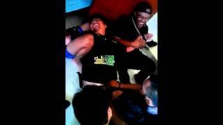 Download Video Orang gemuk diperkosa... MP3 3GP MP4