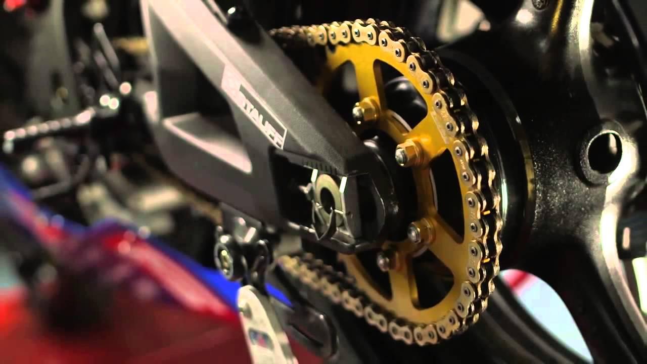 wd 40 specialist motorbike kettenspray motorradkette schmieren youtube. Black Bedroom Furniture Sets. Home Design Ideas