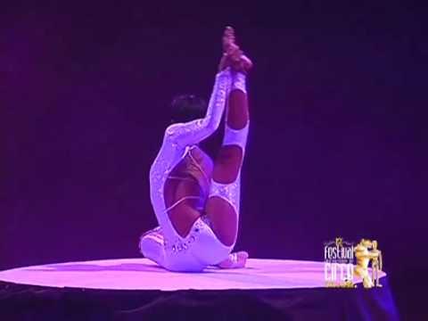 "Lunga (Contortionism) - 12th International Circus Festival ""City of Latina"" 2010"
