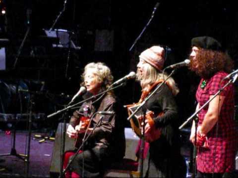Kate and Anna McGarrigle, Lily Lanken, Martha Wainwright, Sloan Wainwright