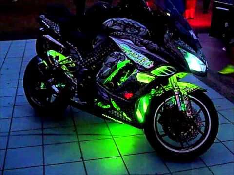 Custom Kawasaki Z1000SX At Mean Machine Melaka 2013