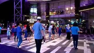 SAAHYAANG Line dance (Wenarika Josephine) - live music by Gpro band - Gandaria City