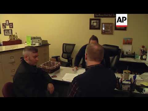 Kentucky Clerk Kim Davis Meets Opponent