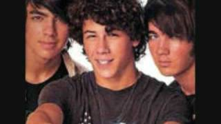 Jonas Brothers Live Chat On 2/21/09 Singing Im yours , LoveBug , Kit Kat Bar Song  (Download Link)