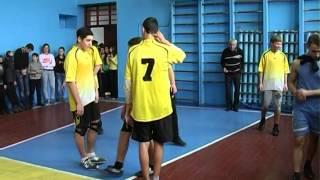 Волейбол Соревнование ОШ №2 Ялта и ОШ Стародубовка 12 12 2014г