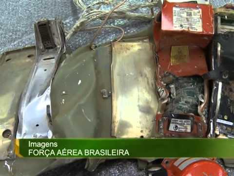 Peritos analisam caixa-preta do avião que conduzia o político Eduardo Campos