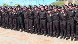На Хортице присягу приняли полтысячи патрульных Запорожья(Видео телеканала