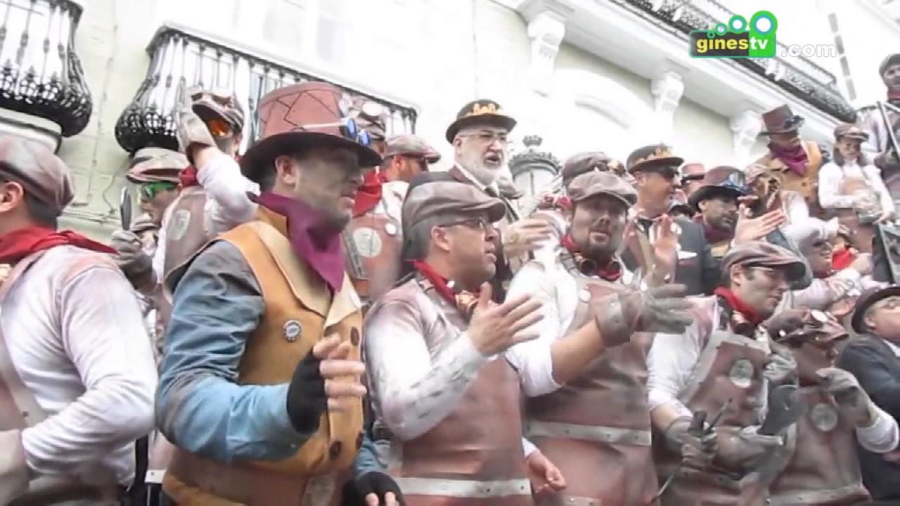 """La delegación de Juventud organiza una salida a Cádiz para disfrutar del """"Carrusel de Coros """""""