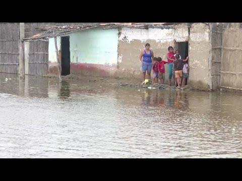 Suben muertos por lluvias en Perú y preocupan enfermedades