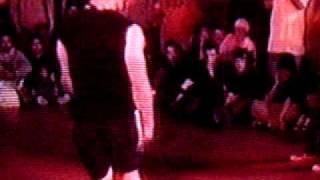 CRAZYLEGS (ROCK STEADY CREW) V.S. TIM (MASSIVE MONKEES)