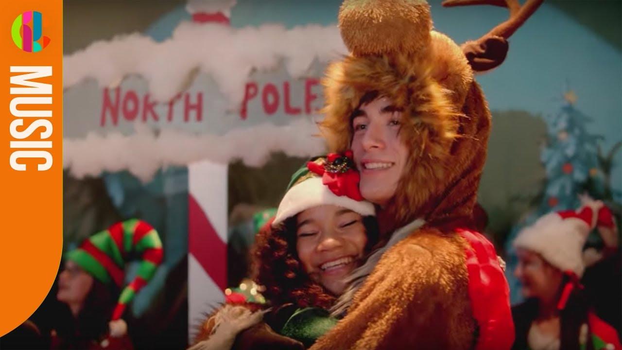 who sang coming home for christmas