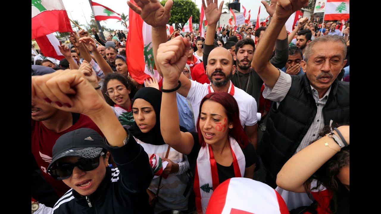 ممثلون يشاركون في ثورة لبنان.. ماذا يقول رفيق علي أحمد عن الوضع؟