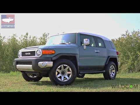 Toyota FJ Cruiser: il SUV più originale degli anni 2000