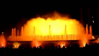 Копия видео Поющие фонтаны в Барселоне(Поющие фонтаны в Барселоне., 2015-01-04T15:31:32.000Z)