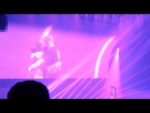 HD Drake invites NICKI MINAJ on STAGE !!  [PARIS BERCY] Boy Meets World Tour 2017