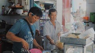 Hủ tiếu mỳ gốc Hoa truyền 3 thế hệ gây thương nhớ cho người Sài Gòn ly hương