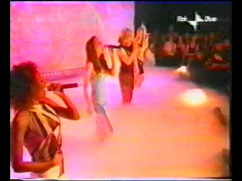 SPICE GIRLS LET LOVE LEAD THE WAY TOTP