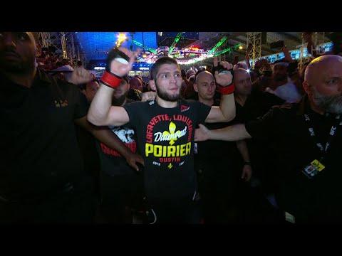 Хабиб Нурмагомедов победил Дастина Порье и защитил титул чемпиона UFC в легком весе.