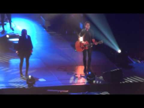 Chris Tomlin-Worship Night In America with Phil Wickham singing This is Amazing Grace