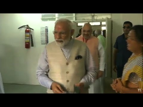 AFP news agency: Indian PM Modi votes in third round of election
