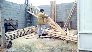 Фото Строительство гаража. Крыша из шалёвки за 15 минут.