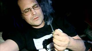 smoking a joint of nitro from herbal-smokes dot com