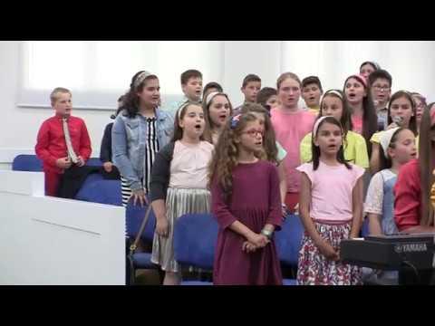 Grupa de copii - Cant de bucurie azi