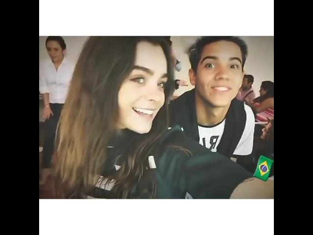 Flavio Nogueira y Macarena garcia like la leyenda