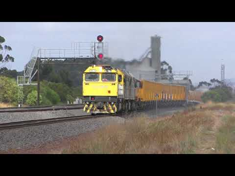 Australian Alco Locomotive Power at Lara near Geelong - Australian Freight Trains