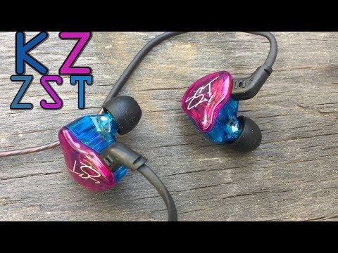 In ear earphones with mic