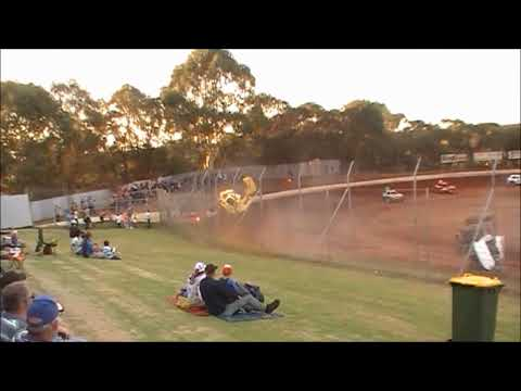 Jason Kavanagh Super Rod Crash   18-2-2012