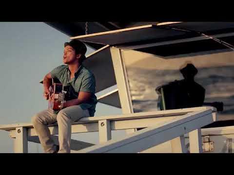 Travie McCoy - Billionaire Ft. Bruno Mars Official Music Video