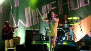 Amy Winehouse - Valerie (Live in Recife, Brasil - 13.01.2011)