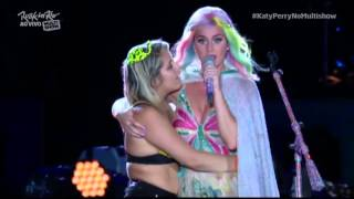Katy Perry Slaps Fan's Butt On Stage At Rock In Rio 2015, Brazil