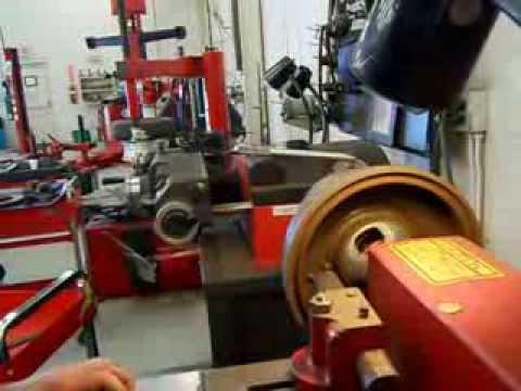 Ammco Brake Lathe >> Use of the Accuturn Brake Lathe to Resurface a Brake Drum ...