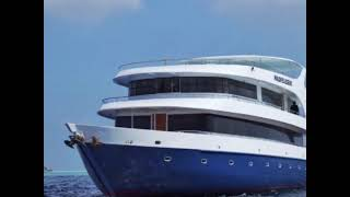 Яхта на Мальдивах