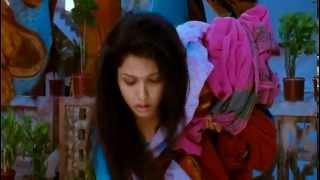 Anuya Bhagvath's video hot dance in rain. Wet saree show from Tamil movie.