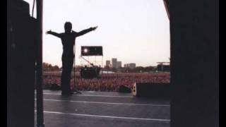 Bon Jovi - The Distance (Live - Hyde Park, 2003)