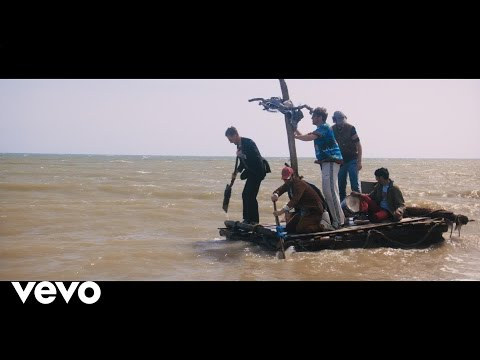 Kaiser Chiefs - My Life (Official Video)