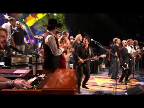 Flashback: See Ringo Starr Lead All-Star Nashville Jam