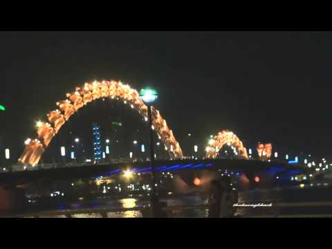 Đà Nẵng về đêm, những nhịp cầu trên sông Hàn