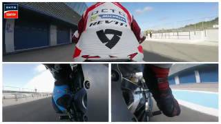 Download Video Beginilah cara pembalap MotoGP melakukan rem,pengoperan gigi,dan riding! MP3 3GP MP4