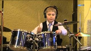 Adam Guláš - sólo bicie / drums
