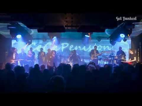 CeCe Peniston - Finally - LIVE on stage with GET FUNKED - Under The Bridge - 2015