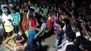 Lakshmi Na Chinni Lakshmi video song