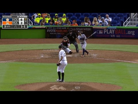HOU@MIA: Altuve belts a homer off scultpure in Miami