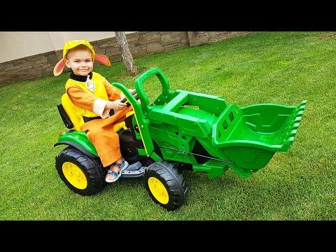 Dima recebeu um novo trator verde montado e fui montar eu entendo