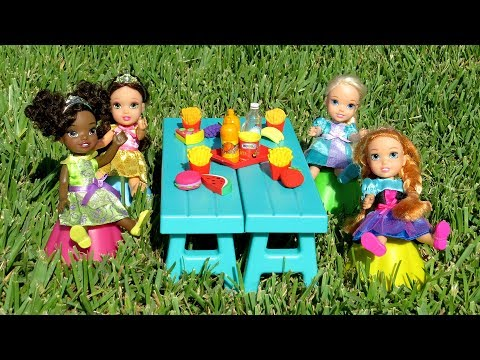 PICNIC ! Elsa and Anna toddlers  hide and seek  Barbie  food truck  tree house